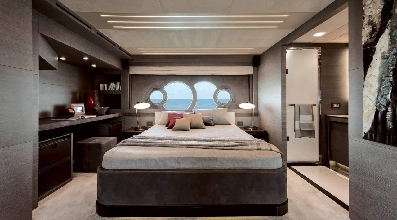 MCY 105 Vip cabin