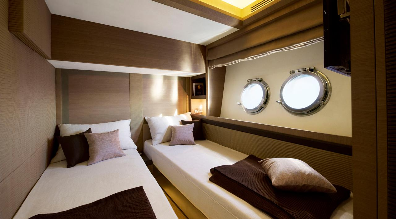 Guest cabin MCY 70