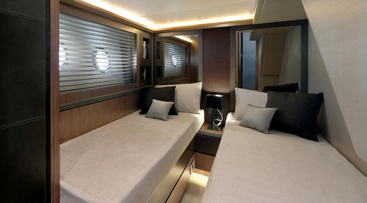 Guest cabin MCY 65