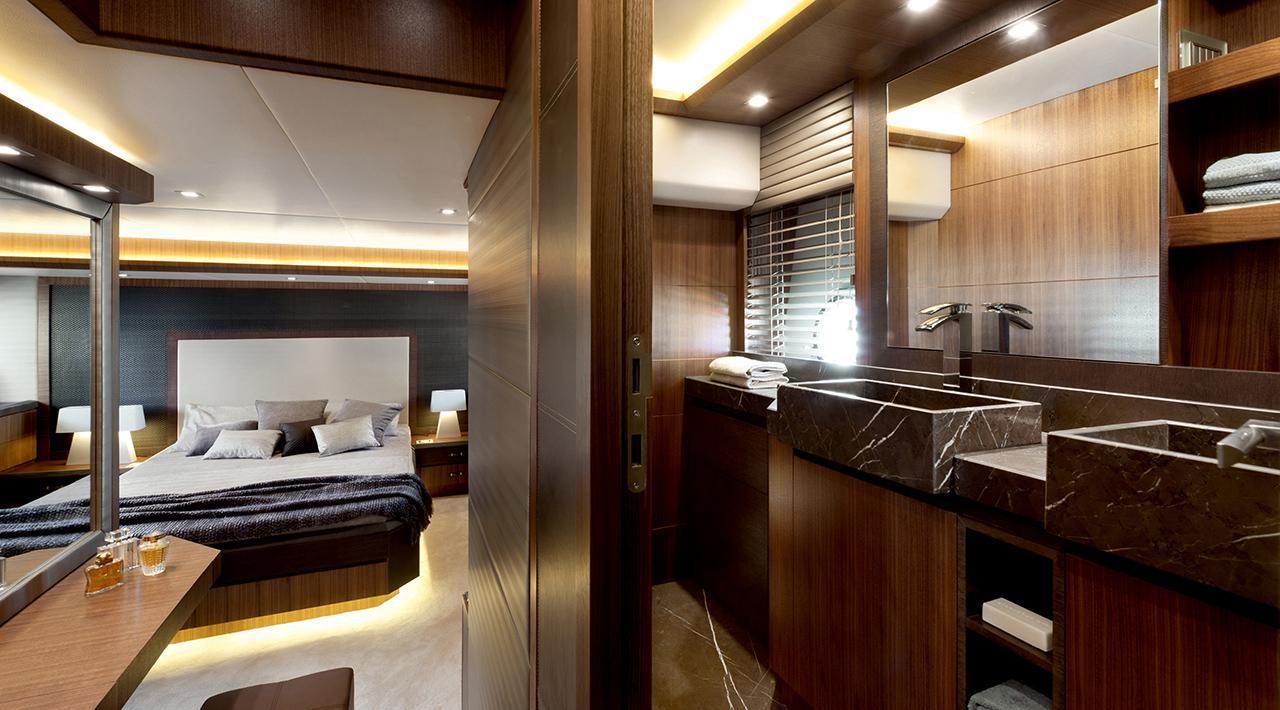 Owners cabin en suite bathroom  MCY 65