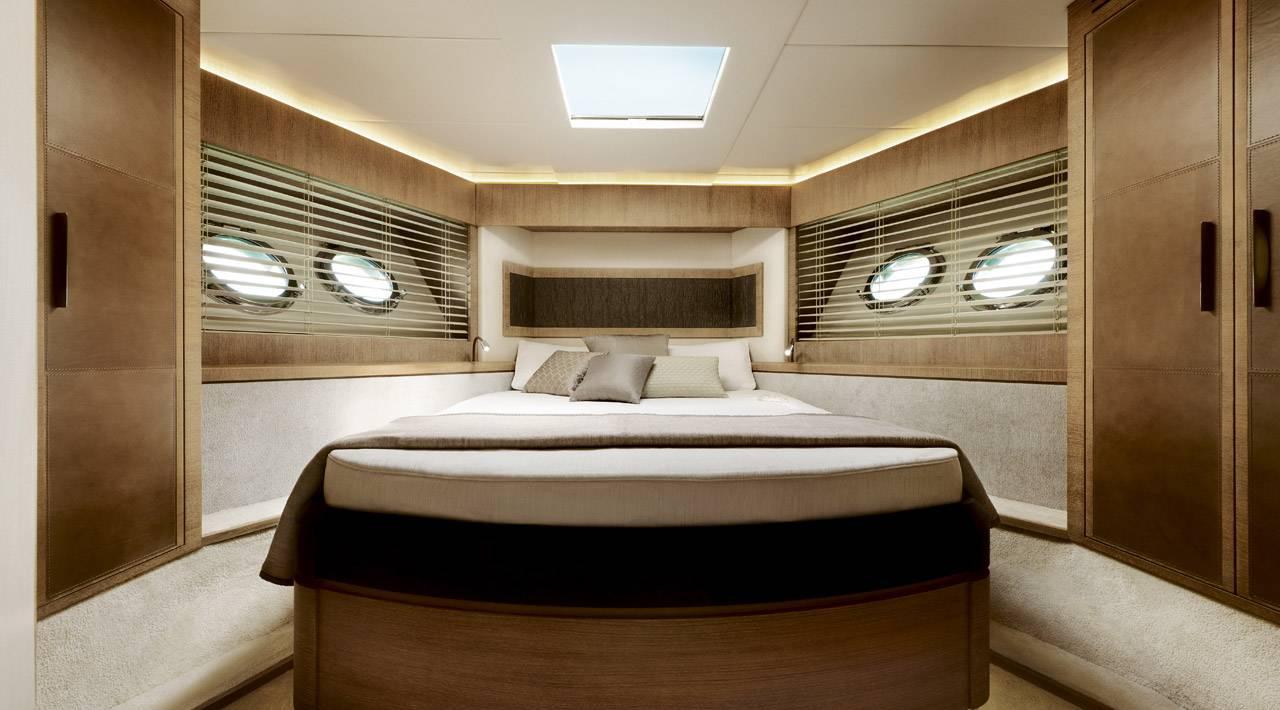 Vip cabin MCY 76