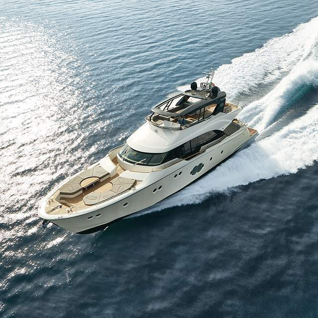 "MCY 80 celebrato come ""Best Flybridge"" per gli yacht tra i 55' e gli 80' dall'Asia Boating Awards 2017"