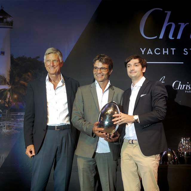 "Il MCY 96 vince il ""Best International Motor Yacht"" nella categoria 24-30 metri ai 2018 Christofle Yacht Style Awards"